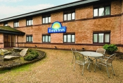 Days Inn Abington M74